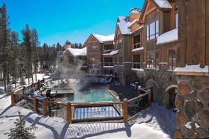 Blue Sky Breckenridge: Elegance & Location! :: The perfect combination of alpine elegance and ski-in/ski-out location, just 3 blocks from Main Street, at the Snowflake chairlift. 1 - 4 bedroom condos with hotel amenities.