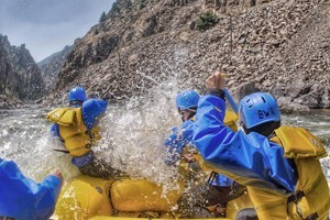 Breckenridge Whitewater :: Exciting and scenic rafting trips on the best rivers of Colorado for all ages and abilities.