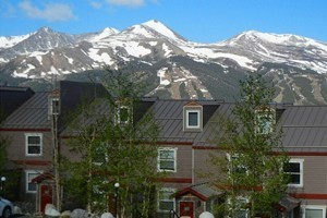 Alpine Meadows Condos :: Click here to find a wide variety of sizes, styles and cost for vacation homes in and around Breckenridge, in Summit County.