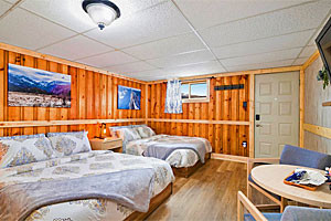 Mountain Peaks Motel - newly renovated rooms